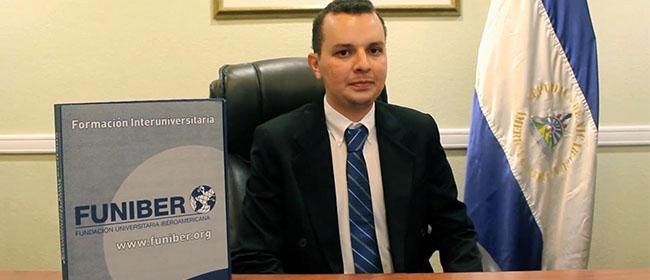 Carlos Roberto Chévez Novoa se interessou pela FUNIBER quando ainda estava na universidade, assim, esperou se formar na graduação